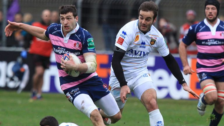 Jonny May races in to score one of Gloucester's five tries