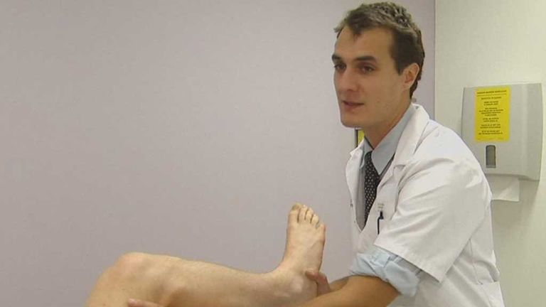 Dr Steven Claes: Demonstrates why some ACL injuries keep players out for longer