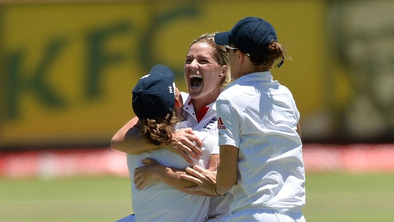 England celebrate their Test victory in Perth