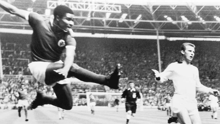 Eusebio scores for Benfica against AC Milan in the 1963 European Cup final