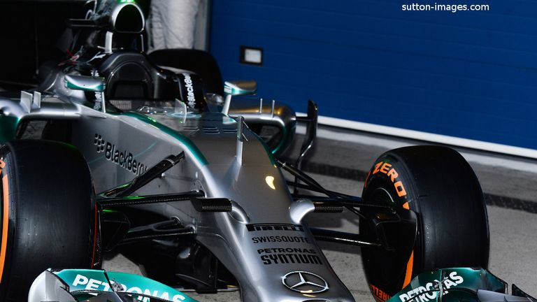 Different approach: The Mercedes W05