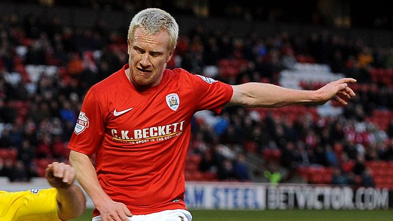 David Perkins: Midfielder joins Blackpool