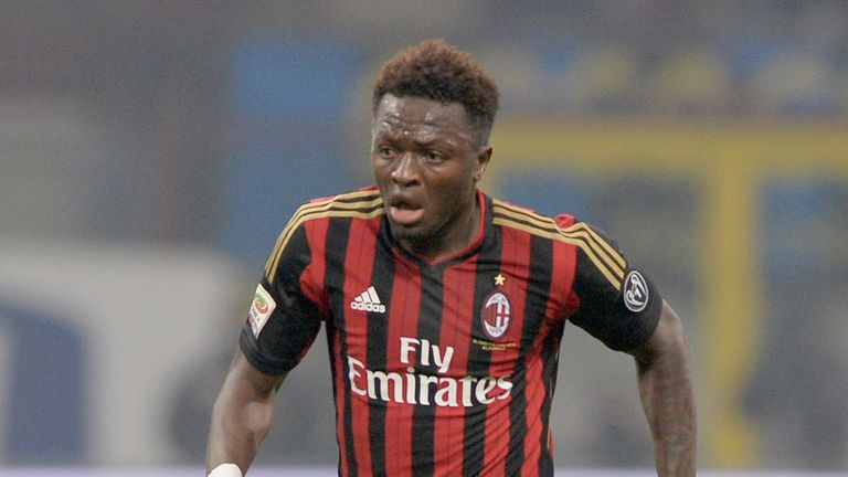 Sulley Muntari: To stay at the San Siro for another year