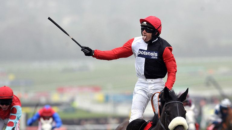 Big Buck's winning the World Hurdle under Ruby Walsh