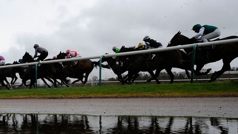 Lingfield has abandoned turf races on Wednesday
