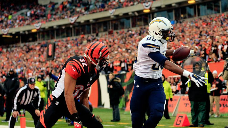 Ladarius Green: Holds on to claim San Diego's second touchdown