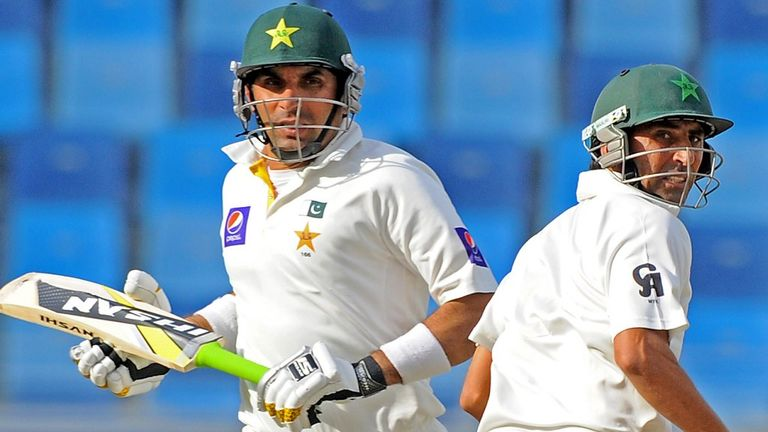 Younis Khan (L) led the fightback with Misbah