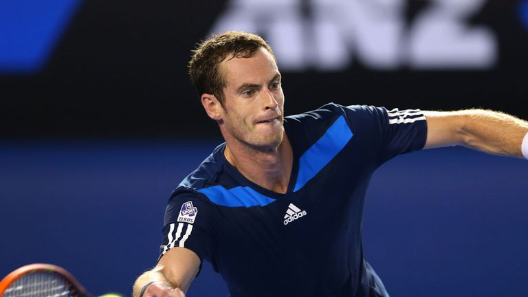 Andy Murray overcame the evening heat to win in straight sets