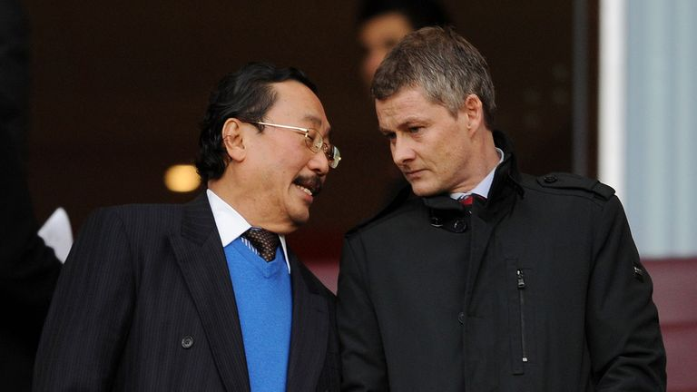 Ole Gunnar Solskjaer (right) with Vincent Tan at the Emirates