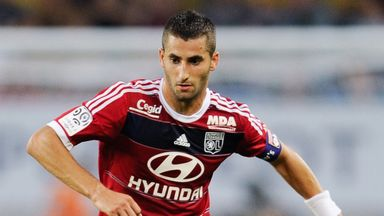 Maxime Gonalons: Being heavily linked with a January switch to Serie A