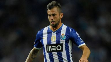 Steven Defour: Staying at Porto after being linked to Fulham