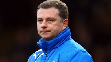 Mark Robins: Wants his players to step up