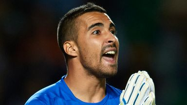 Sergio Asenjo: Permanent move to Villarreal