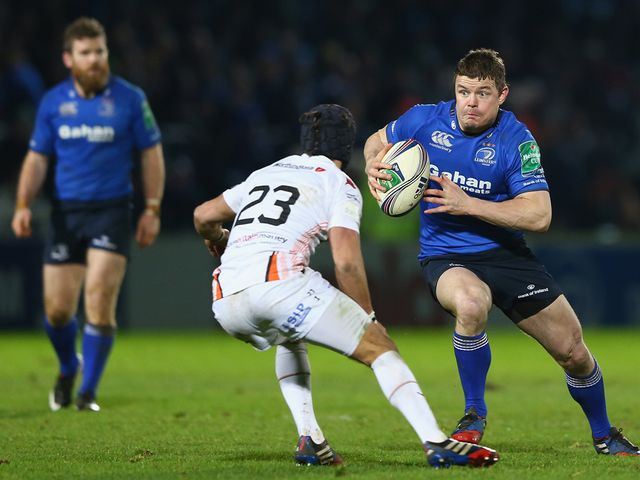 Brian O'Driscoll runs at the Ospreys' defence