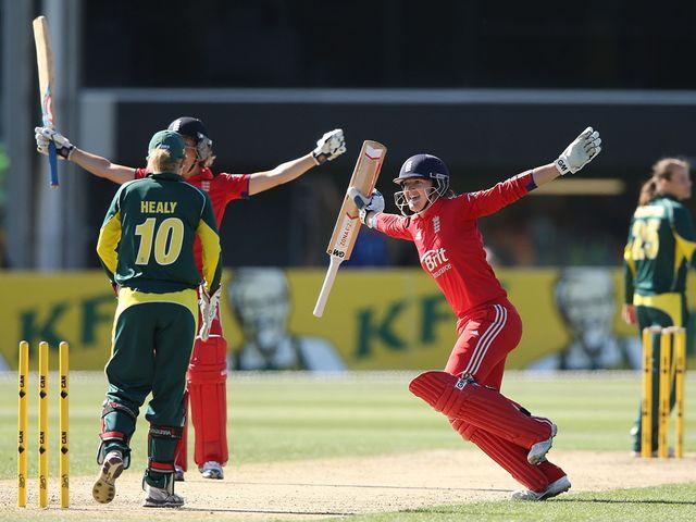 Charlotte Edwards celebrates England's victory