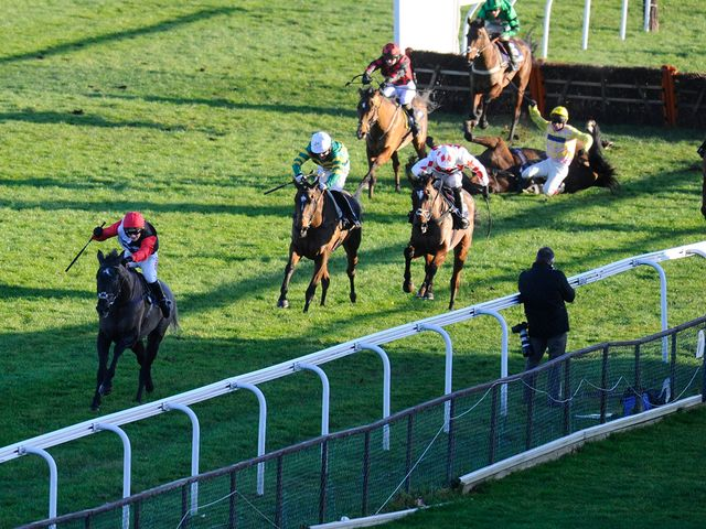 Saphir Du Rheu struck again at Kempton