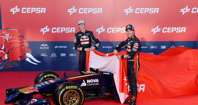 Daniil Kvyat and Jean-Eric Vergne unveil the Toro Rosso STR9
