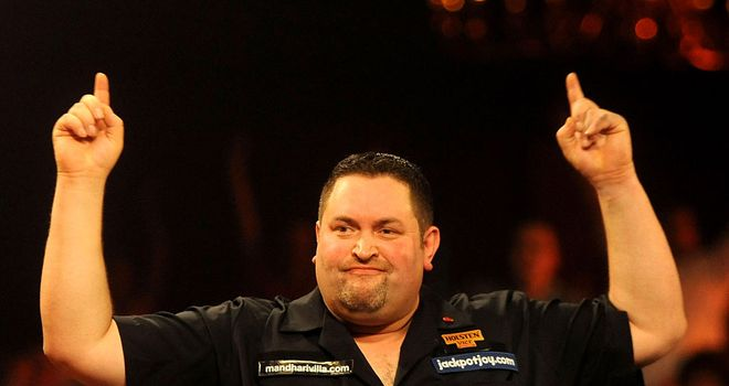 Alan Norris celebrates Lakeside victory over Scott Waites