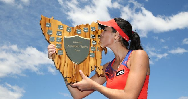 Garbine Muguruza: Spaniard kisses the Hobart International trophy