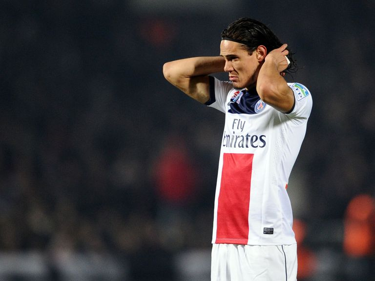 Edinson Cavani: Suffered a thigh injury