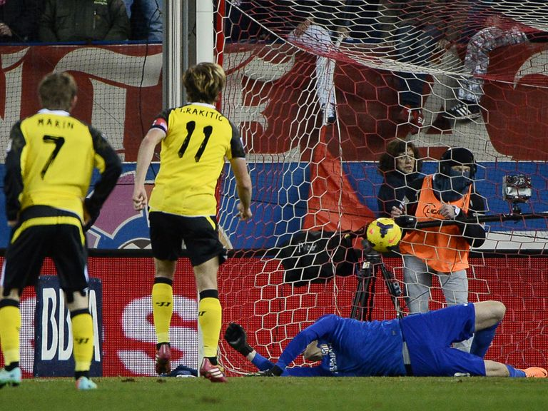 Ivan Rakitic fires home for Sevilla at Atletico Madrid