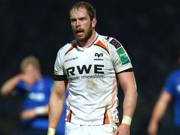 Alun-Wyn Jones: New Ospreys deal
