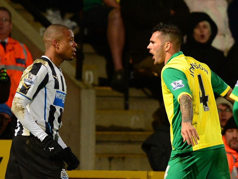 Loic Remy and Bradley Johnson confrontation