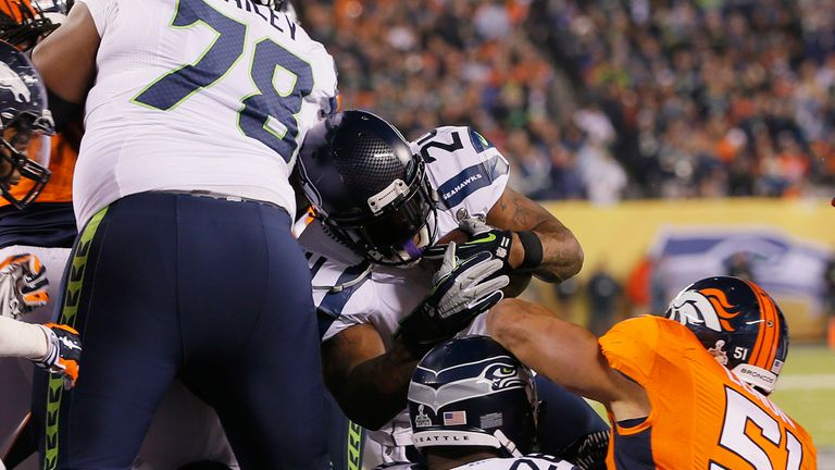 Marshawn Lynch: Seahawks running-back ends holdout