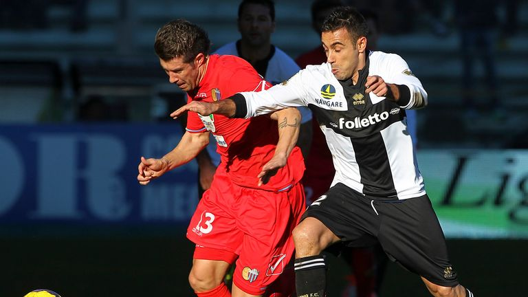 Mariano Izco: Catania midfieldr has moved to Chievo