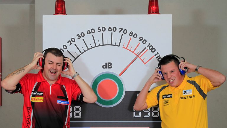 Wes Newton and Dave Chisnall go head-to-head in Cardiff