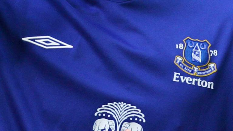Umbro and Everton restore kit deal agreement