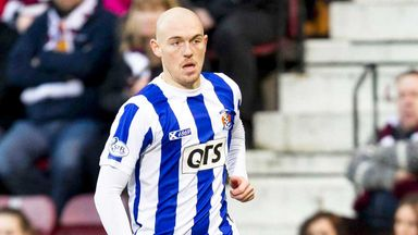 Sean Clohessy: Colchester have signed the defender from Kilmarnock