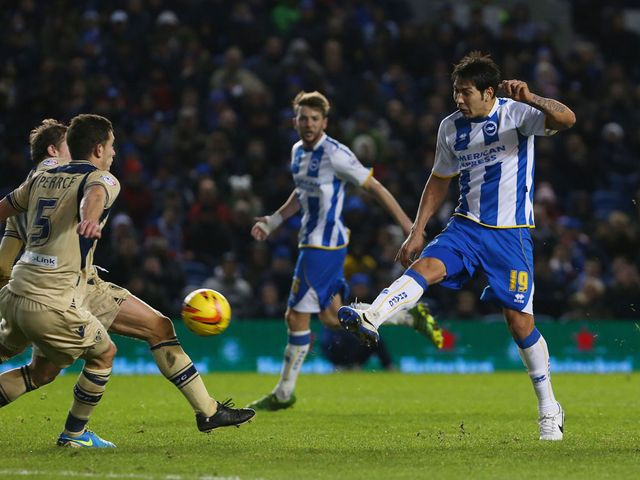 Leonardo Ulloa scores for Brighton