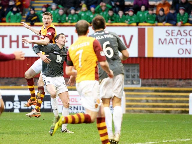 Stephen McManus scores for Motherwell