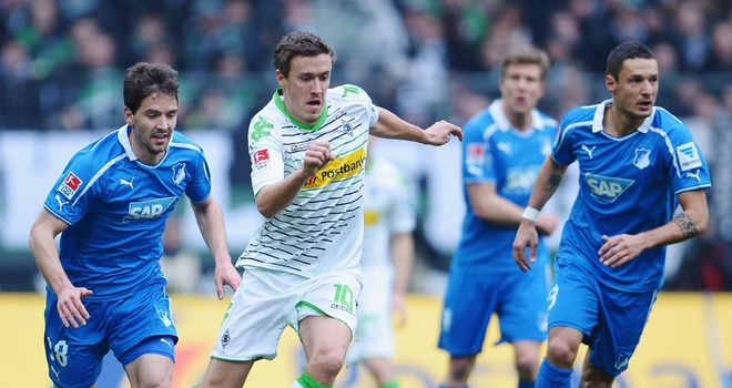 Max Kruse looks for a way through