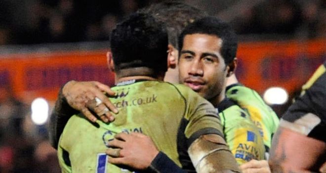 George Pisi and brother Ken celebrate last-minute try