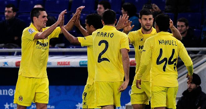Jeremy Perbet celebrates his goal for Villarreal
