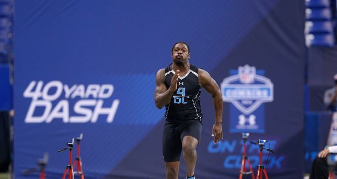 Jadeveon Clowney runs the 40-yard dash during the 2014 NFL Combine