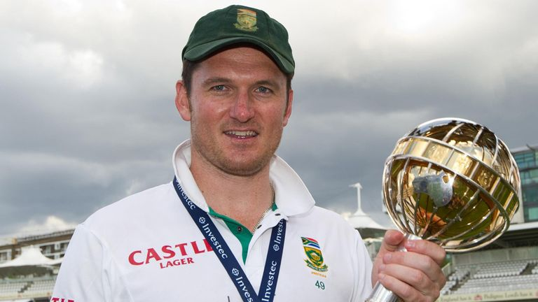 Graeme Smith led South Africa to the top of the Test rankings