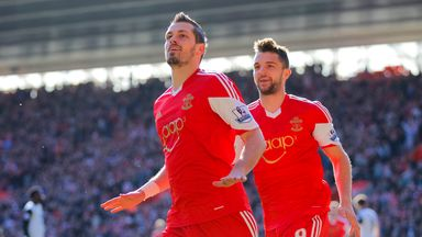 Morgan Schneiderlin: Wants to see Southampton challenge for European qualification