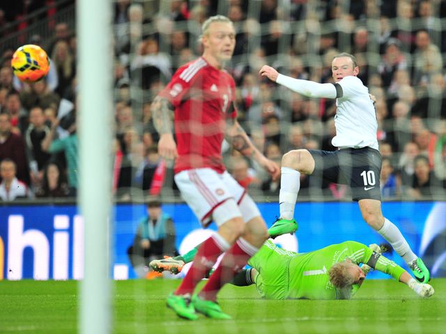 This shot from Wayne Rooney went wide
