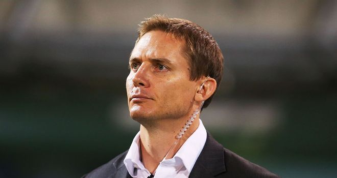 Stephen Larkham: Contract extension for ACT Brumbies boss