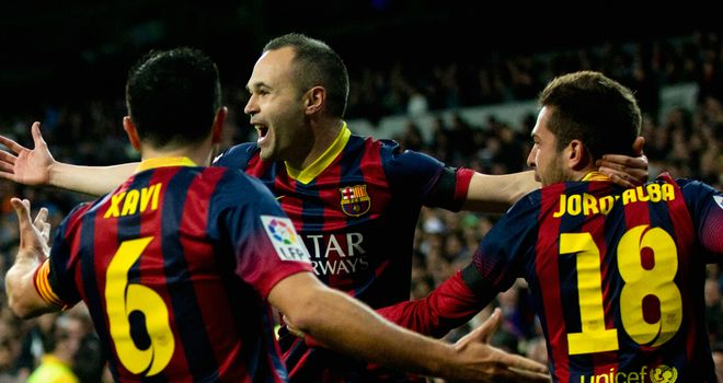 Andres Iniesta (c): Pleased Xavi is staying at Barcelona