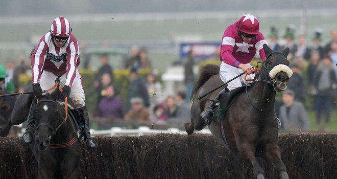 Savello (r) comes with a perfectly timed challenge at the last
