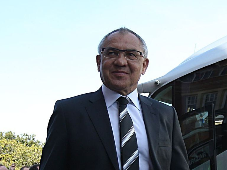 Felix Magath: Staying at Fulham
