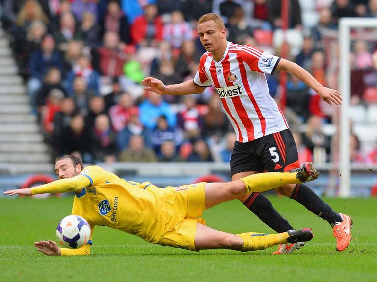 Wes Brown: Believes Sunderland can survive