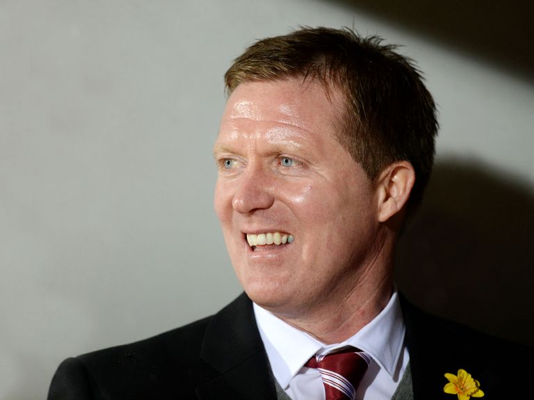 Gary Locke's Hearts host Hibernian on Sunday