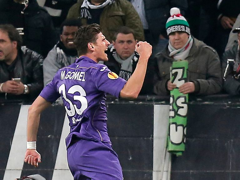 Fiorentina's forward Mario Gomez celebrates his late goal