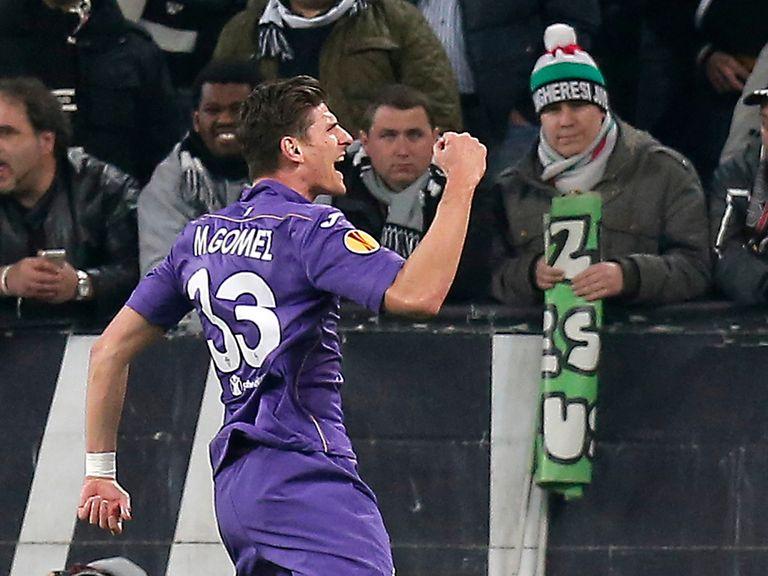 Fiorentina's forward Mario Gomez celebrates his late goal