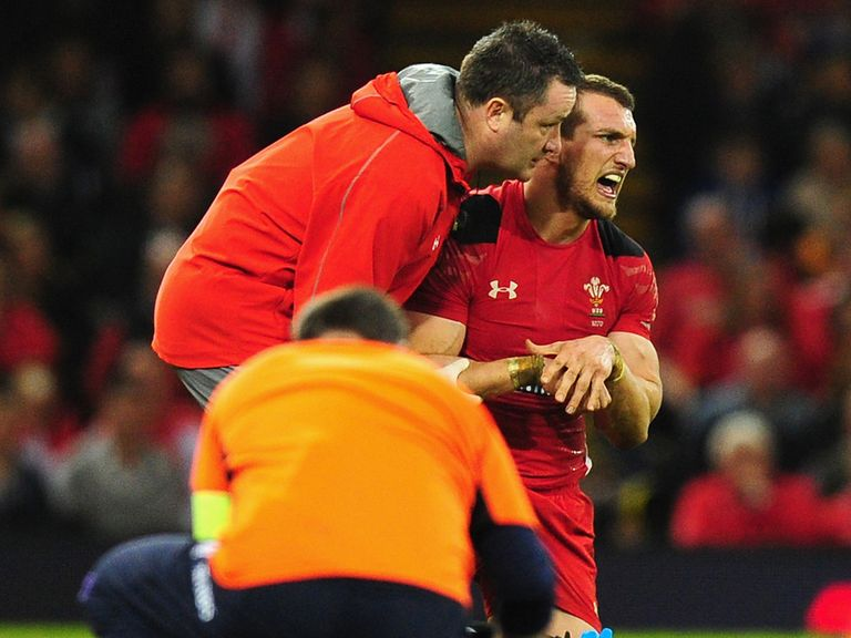 Sam Warburton: Injury blow